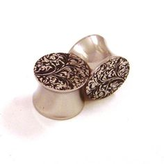 Gorgeous and Elegant Ear Stretching Plug to Adorn Your Ears