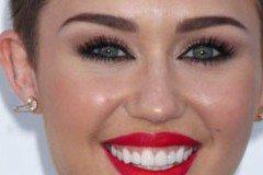 10 Amazing Lip Piercing Jewelry to Make You Look Stunning