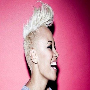 Emeli-Sande-Nose Piercing jewelry