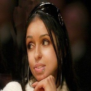 Mya-lip-ring-piercing
