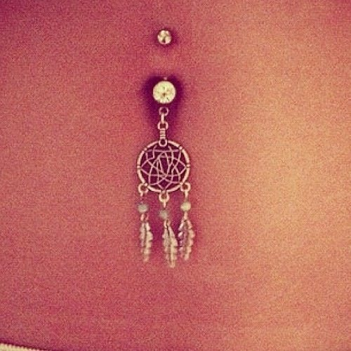 Fashionable Silver Belly Rings for Classic Beauty Look