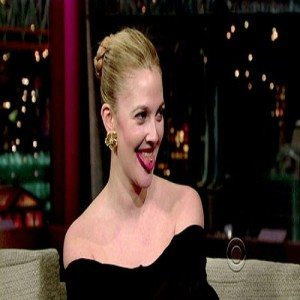 drew-barrymore-shows-off-her-tongue-piercing