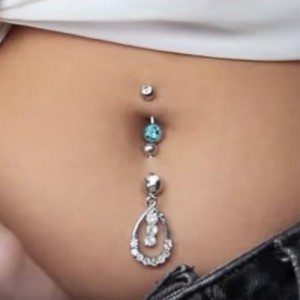 shannon-harris-belly-button-piercing-500x500