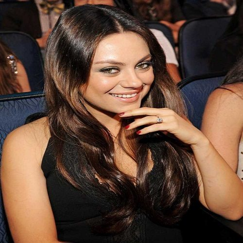 1397476243-mila-kunis-full-engagement-ring-ashton-kutcher-mtv-movie-awards-2014-getty__large